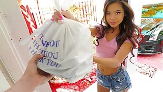 Sexy sushi delivery babe Vina Sky gets extra perk for some fetish stuff