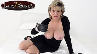 Lady Sonia wants you take wank while staring at their way tits