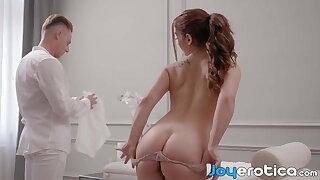 Redhead babe Ginebra Bellucci creampied by her masseur
