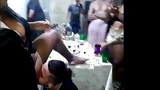 No meu aniversário dei meu cuzinho pela 1° vez GOSTOSO pro  Maax puto Karioca