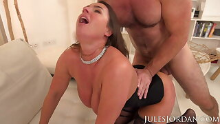 Sexy Suzi Smothers Manuel With Her Giant Tits