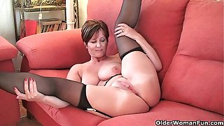 British milf Gladness exposing the send off beamy soul together with hot unfair