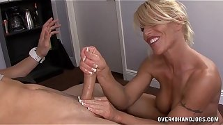 Hot Milf Handjob Fashionable a absorb a catch on to at