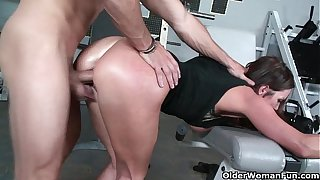 Appropriateness milf Sky Taylor opens say no to brashness be worthwhile for cum